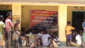 POLICE ASSISTANCE BOOTH AT BALARAMPUR PS ON 20.05.15 (1)